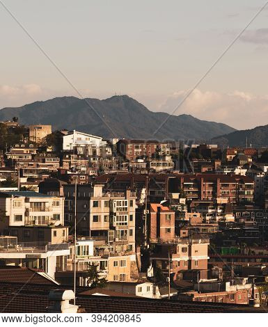 Seoul,south Korea-september 2020: Korea Town Houses City View At Golden Hour In Haebangchon Disctric