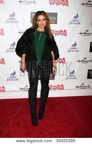 LOS ANGELES - NOV 25:  Lisa LoCicero arrives at the 2012 Hollywood Christmas Parade at Hollywood & Highland on November 25, 2012 in Los Angeles, CA