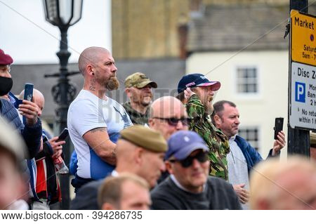 Richmond, North Yorkshire, Uk - June 14, 2020: Angry Counter Protesters Stand Guard In The Marketpla