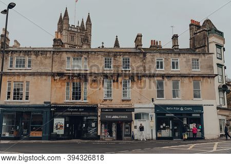 Bath, Uk - October 04, 2020: Row Of Shops On Terrace Walk In Bath, The Largest City In The County Of