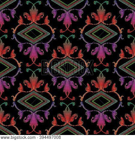 Embroidery Baroque Vector Seamless Pattern. Colorful Floral Grunge Background. Tapestry Wallpaper. D