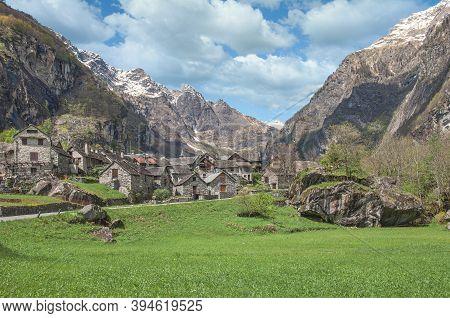 Traditional Village Of Sonlerto In Val Bavona,ticino Canton,switzerland