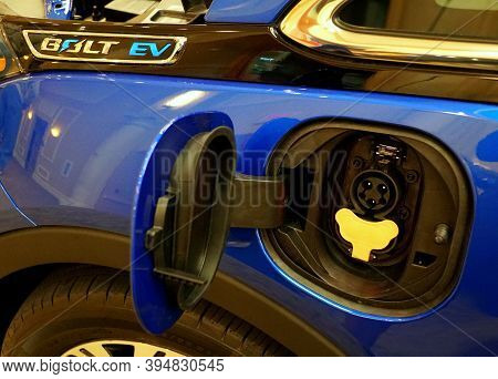 Wilmington, Delaware, U.s.a - October 5, 2019 - The Charging Spot Of The Brand New 2020 Chevy Volt A
