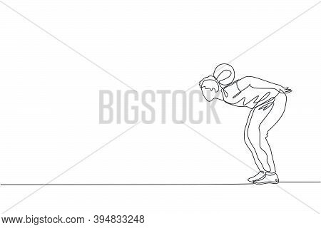 One Continuous Line Drawing Of Young Sporty Man Soccer Freestyler Practice Hold The Ball With Nape I