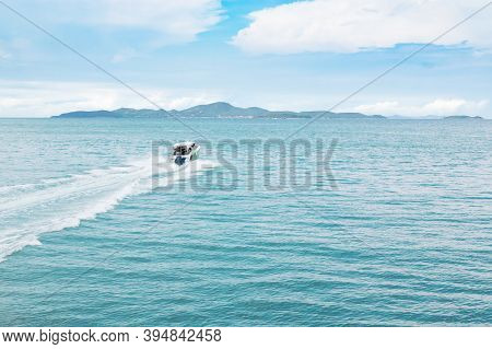 A Speed Boat Sailed In The Sea In The Gulf Of Thailand Heading For Koh Larn Island. Koh Larn, Chonbu