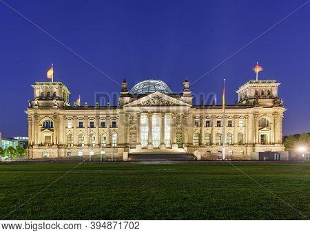 Berlin Germany - Juli 26 2020 Summer Night View Of Bundestag Reichstag Building In Berlin, Germany