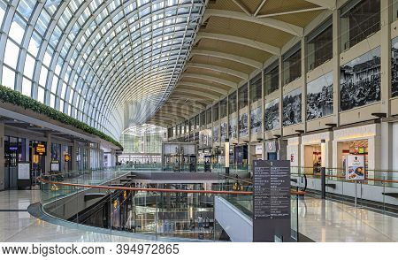 Singapore - September 7, 2019: Interior Of The Luxury Shoppes At Marina Bay Sands Hotel And Casino,