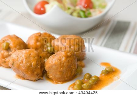 meat balls with vegetabl
