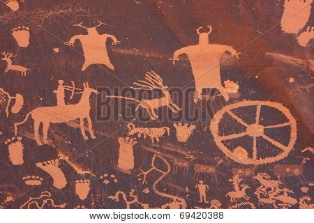 Indian Petroglyphs, Newspaper Rock State Historic Monument, Utah, Usa