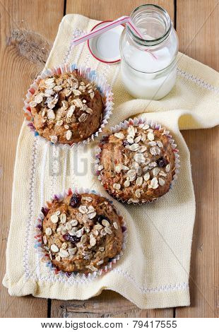 Apple And Berry Wholewheat Crumble Muffins