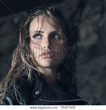 Young Fashion Woman Outdoor Portrait
