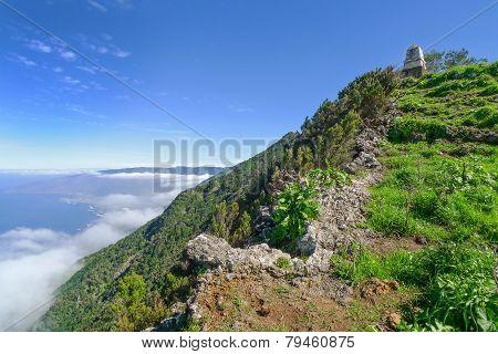 El Hierro - Ascent to the Monumento al General Serrador