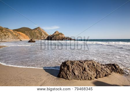 Tranquil beach in Pfeiffer state beach