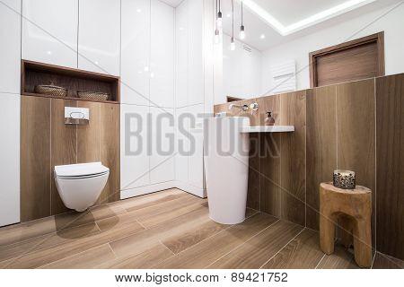 Wooden Bathroom In Luxury House