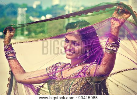 Young  indian  pretty woman in indian dress