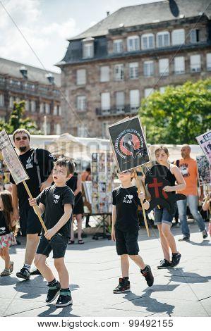 Sea Shepherd Protesting Against Slaughter Pilot Whales Arrest Of 7 Crew Members