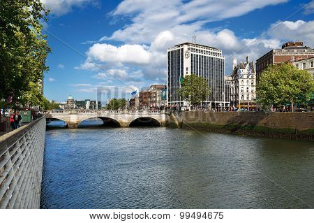 O'Connell Bridge over the river Liffey in Dublin City Centre
