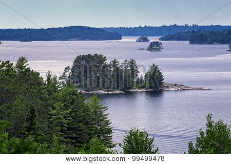 Lake Kabetogama, Voyageurs National Park, Minnesota, USA.