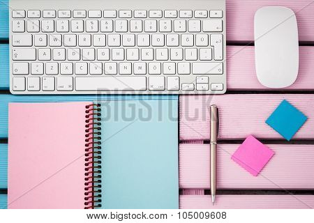 Wireless Modern Computer Keyboard With The Turkish Alphabet And Mouse