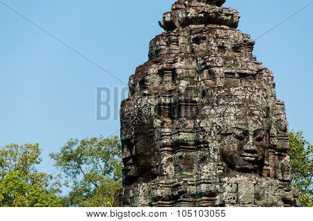 Head encarved in stone Bayon temple angkor