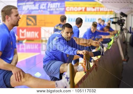MYTISHCHI, RUSSIA - OCT 16, 2014: Stretch of sportsmen in the Championship of Russia on mini-football in the Sports Complex Construction in Mytishchi