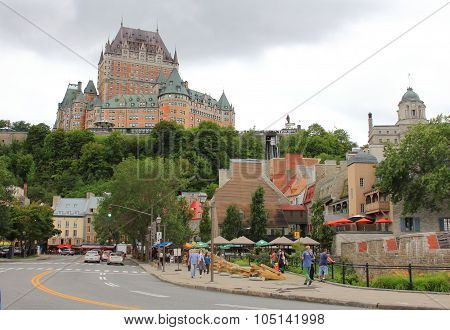 FAIRMONT CHATEAU FRONTENAC SEEN FROM BELOW