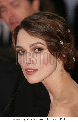 VENICE - AUGUST 29:Keira Knightley arrives for the Opening Ceremony and the Atonement Premiere at the 64th Annual Venice Film Festival on August 29, 2007 in Venice, Italy.