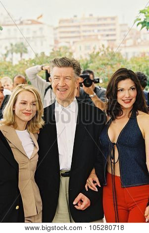 CANNES, FRANCE - MAY 16: Naomi Watts , director David Lynch and Laura Elena Harring at the photo call for the film 'Mulholland Drive' during the 54th Cannes Film Festival 16 may 2001 in Cannes, France