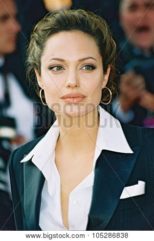 CANNES, FRANCE - MAY 15: Actress Angelina Jolie attends the 'Shrek 2' premiere at the Le Palais de Festival during the 57th Cannes International Film Festival May 15, 2004 in Cannes France