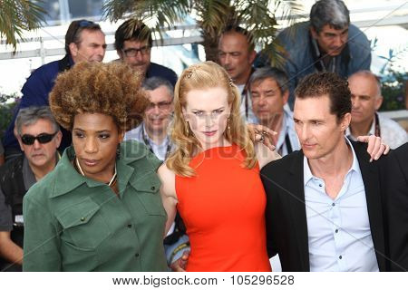 CANNES, FRANCE - MAY 24: Macy Gray, Nicole Kidman, Matthew McConaughey attends the 'The Paperboy' photocall during the 65th Cannes  Festival at Palais des Festivals on May 24, 2012 in Cannes, France.