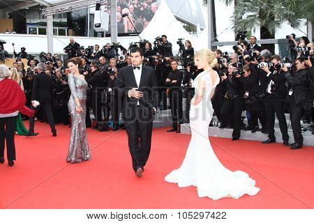 CANNES, FRANCE - MAY 21: Kelly Brook and Hofit Golan  attends the 'Vous N'avez Encore Rien Vu' premiere during the 65th  Cannes  Festival at Palais des Festivals on May 21, 2012 in Cannes, France