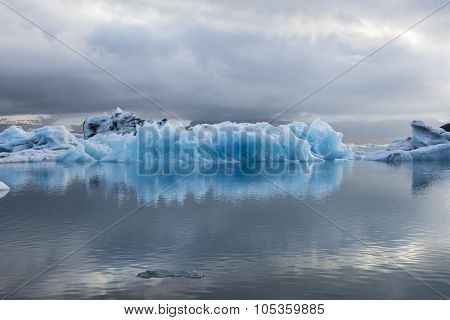 Blue ice at Icelake Jokulsarlon. Iceland