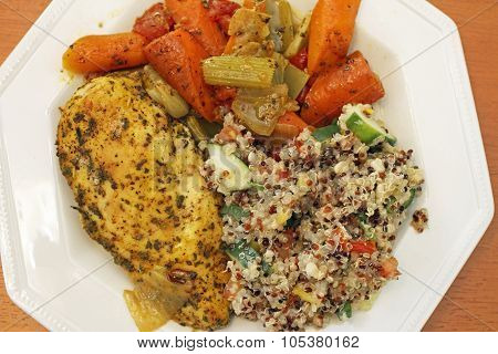 Chicken With Quinoa Salad And Vegetables