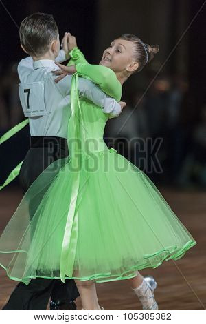 Minsk, Belarus-september 26, 2015: Condratiev Vladislav And Breabina Yana Perform Perform Juvenile-1