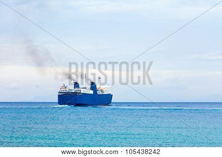 Fossil Fule On The Sea