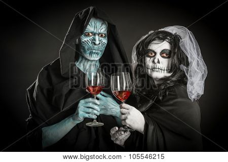 alternative wedding zombie and dead bridge,Halloween masquerade