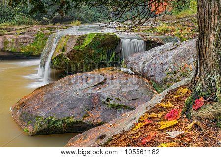 O Kun De Kun Upper Falls