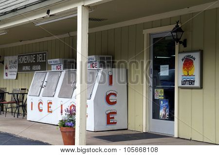 Self-Service Ice Freezer