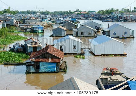 Residential, Floating House, Poor, Precarious Life