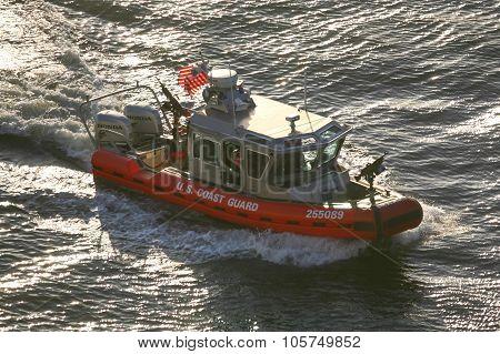 Us Coast Guard Powerboat Sailing