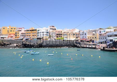 Picturesque bay in Los Abrigos on Tenerife