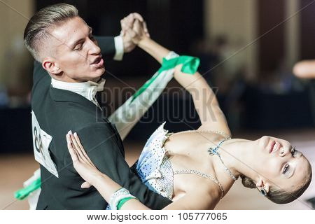 Minsk, Belarus-september 27, 2015: Kobrik Andrey And Kolyada Kseniya Perform Youth Standard Program