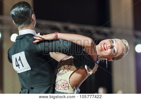 Minsk, Belarus-september 27, 2015: Matveenko Michail And Sermyazhko Alina Perform Youth Standard Pro