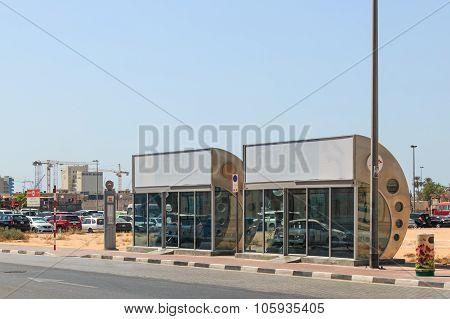 Dubai, Uae - October 08, 2014: An Air Conditioned Bus Stop In Dubai.