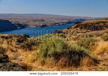 Overlook of the Columbia river in the State of Washtington