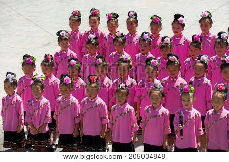 Miao Minority Adolescent Girls Pink Costume Sing