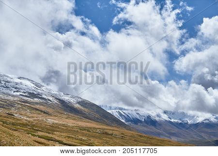 Winter Has Come To The Siberian Steppe, Snow-capped Mountain Peaks. The Ukok Plateau Of Altai. Fabul