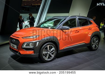 New 2018 Hyundai Kona Compact Suv Car Public Debut