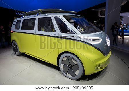Volkswagen W I.d. Buzz Camper Van