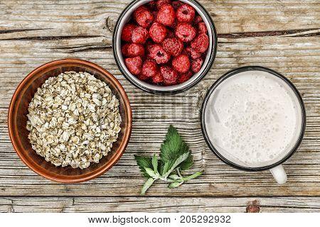 Healthy Breakfast: Granola, Cereal, Fresh Berries